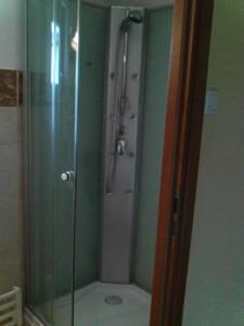 311227_zuhanyzo.jpg