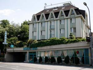 311557_hotelbara_kulso.jpg