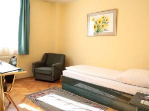 311557_hotelbara_szoba1.jpg