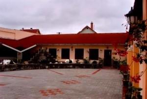 311820_hotelpalota1.jpg