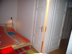 312827_bedroom.jpg