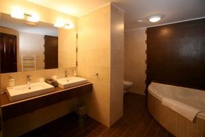 313158_hotelkitty_furdo.jpg