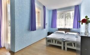 313257_hotelfrancoise_szoba.jpg